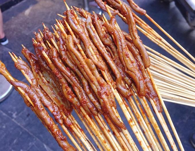 Ruột vịt - món ăn vặt ở Trung Quốc ai ai cũng phải mua sỉ