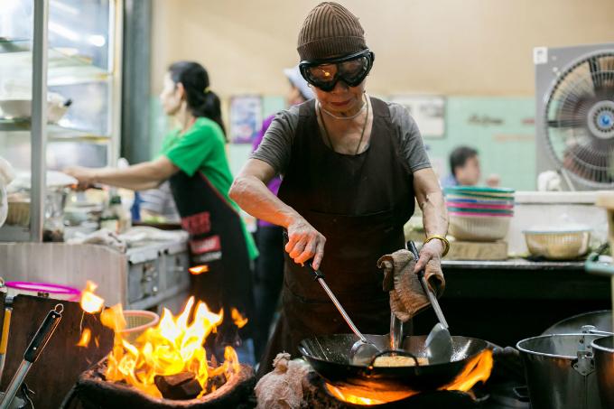 Jay Fai là quán ăn bình dân đầu tiên ở Bangkok được gắn sao Michelin