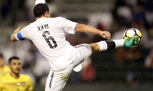 Xavi đánh gót kiến tạo cho đồng đội