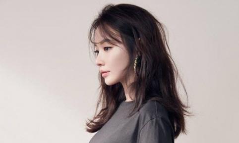 Kim Ah Joong lên tiếng giữa tin đồn đột ngột qua đời