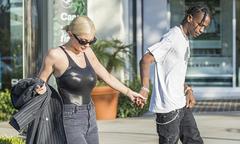 Kylie Jenner khoe đường cong hút mắt khi đi mua trang sức với bạn trai