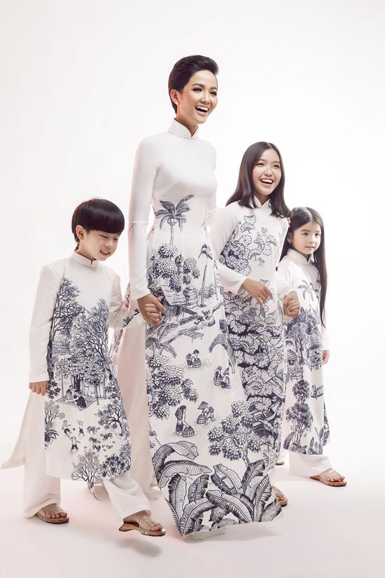 HHen Niê diện áo dài cùng mẫu nhí - 2