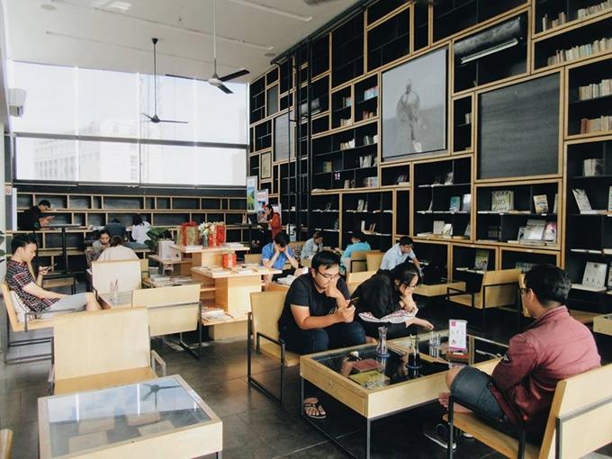 5 quán cà phê sách ở Sài Gòn cho buổi chiều nhàm chán - 1