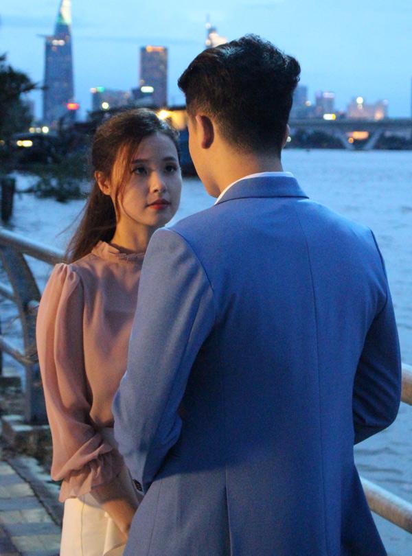 Harry Lu đóng vai một ngôi sao châu Á nổi tiếng. Trong lần đến Việt Nam công tác, anh gặp cô gái định mệnh của đời mình.
