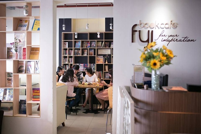 5 quán cà phê sách ở Sài Gòn cho buổi chiều nhàm chán - 3