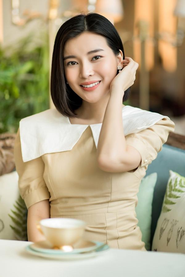 Diễn viên Cao Thái Hà cũng dự thi Hoa hậu Du lịch cách đây tròn 10 năm. Khi ấy, cô chỉ mới 18 tuổi, còn khá non nớt nên không đạt được thành tích nào. Sau đó, người đẹp lấn sân lĩnh vực diễn viên và gặt hái nhiều thành công. Hiện cô có mặt tại Phú Yên ghi hình bộ phim đình đám Hậu duệ mặt trời phiên bản Việt.