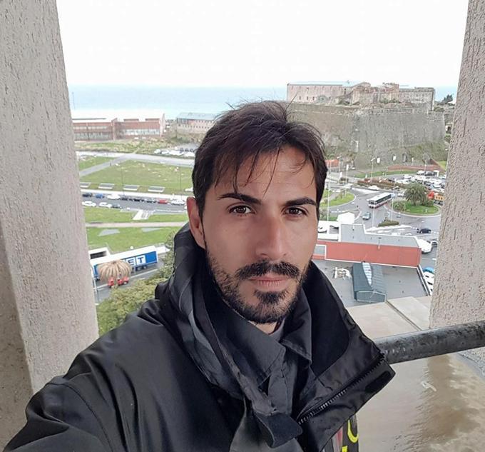 Thủ môn Davide Capello thoát chết sau khi bị rơi từ độ cao 50 m từ trên cầu xuống. Ảnh: Facebook.