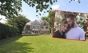 De Gea mua biệt thự ở Manchester, đưa bạn gái đến sống cùng