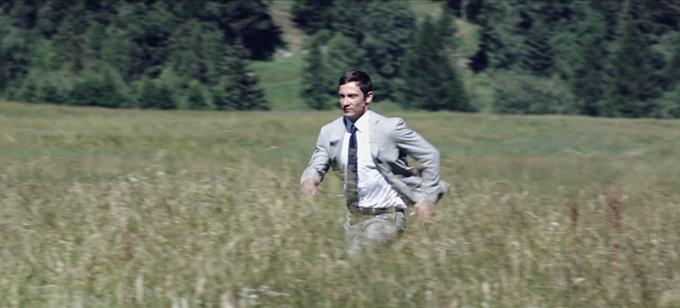 Impeccabile 2.0 cùng người đàn ông băng qua các dải núi rừng, qua những cánh đồng và các con phố thành thị. Thách thức được đặt ra nhằm kiểm chứng sự linh hoạt và độ giữ phom củatrang phục. Chất liệu vải mới được ứng dụng cho những bộ suit, áo khoác blazers, quần Tây, áo khoác ngoài trong các bộ sưu tập năm 2018 của thương hiệu.