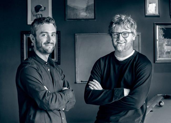 Elliott Cohen (trái) và JP Parker, đồng sáng lập PillPack nắm giữ 51% cổ phần công ty và tổng tài sản ước tínhtrên 500 triệu USD. Ảnh: Medium.