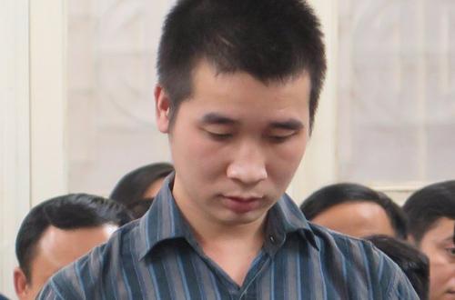 Nguyễn Phi Trung tại tòa.