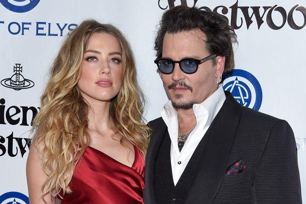 Amber Heard và Johnny Depp.