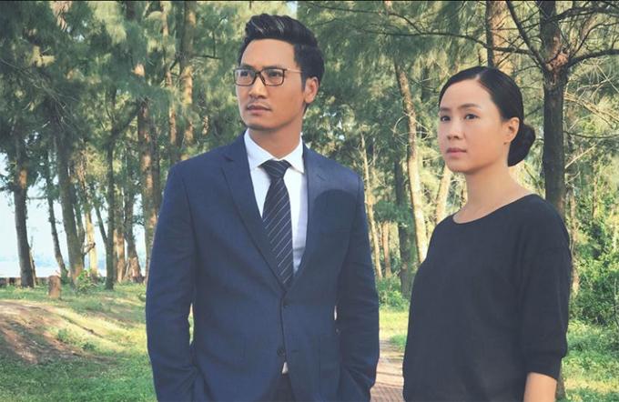 Hồng Diễm và Mạnh Trường trong một cảnh quay tại Cô Tô khi thực hiện Cả một đời ân oán.