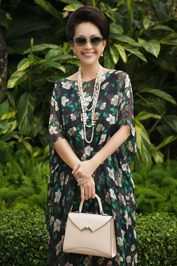 Dàn mỹ nhân Việt khoe sắc trong váy hoa rực rỡ  - 1