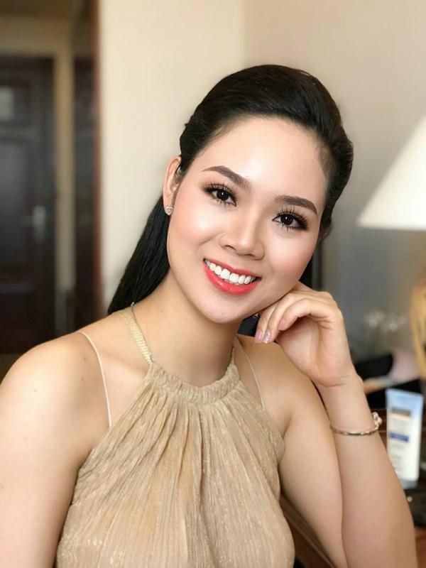 Mai Phương trong buổi hậu trường chụp ảnh kỷ niệm 30 năm tổ chức Hoa hậu Việt Nam.