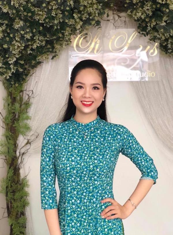 Người đẹp cho biết cô vẫn giữ liên lạc với hai Á hậu Hoàng Oanh và Mai Phương.