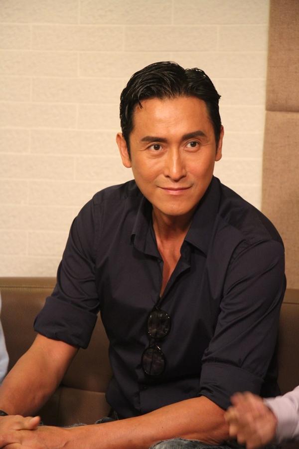 Cận cảnh vẻ điển trai của nam diễn viên TVB.