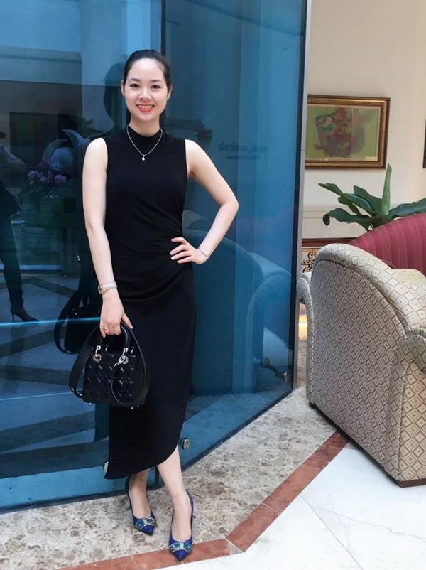 Hoa hậu Mai Phương rất kín tiếng về cuộc sống cá nhân. Chị thỉnh thoảng chia sẻ hình ảnh gia đình, bản thân lên mạng xã hội.
