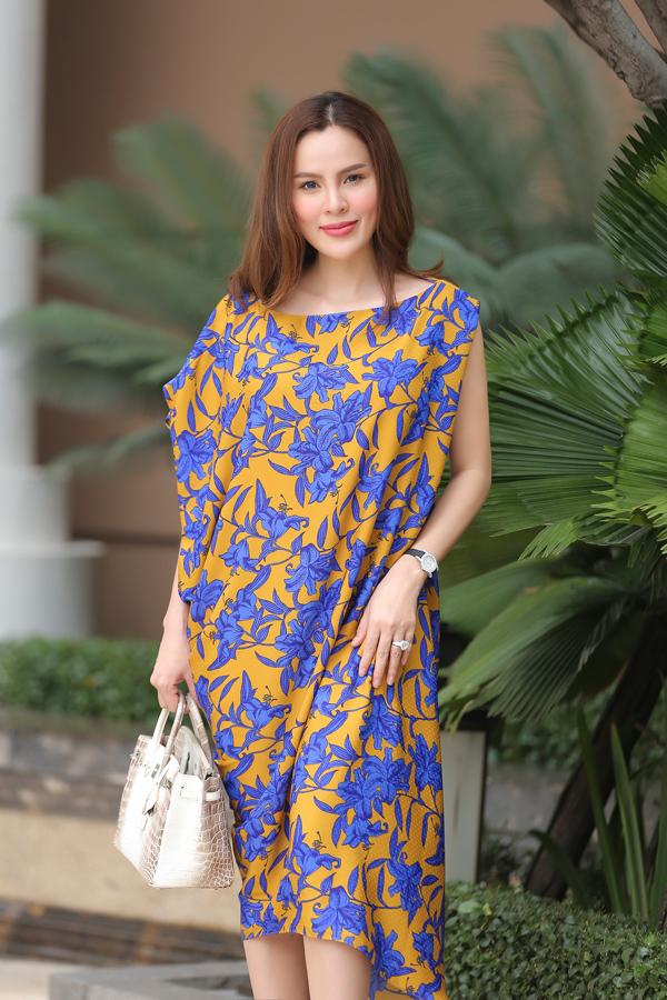 Dàn mỹ nhân Việt khoe sắc trong váy hoa rực rỡ  - 6