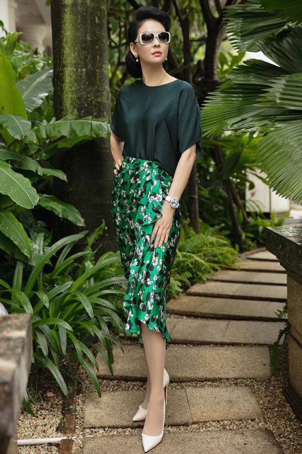 Dàn mỹ nhân Việt khoe sắc trong váy hoa rực rỡ  - 8