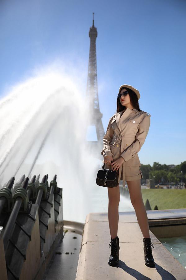 Lê Âu Ngân Anh diện toàn đồ hiệu khi dạo chơi ở Paris - 3