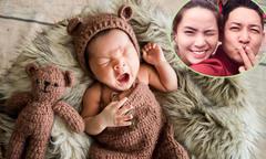 Con trai một tháng tuổi của vợ chồng Hải Băng ngáp ngủ khi chụp ảnh