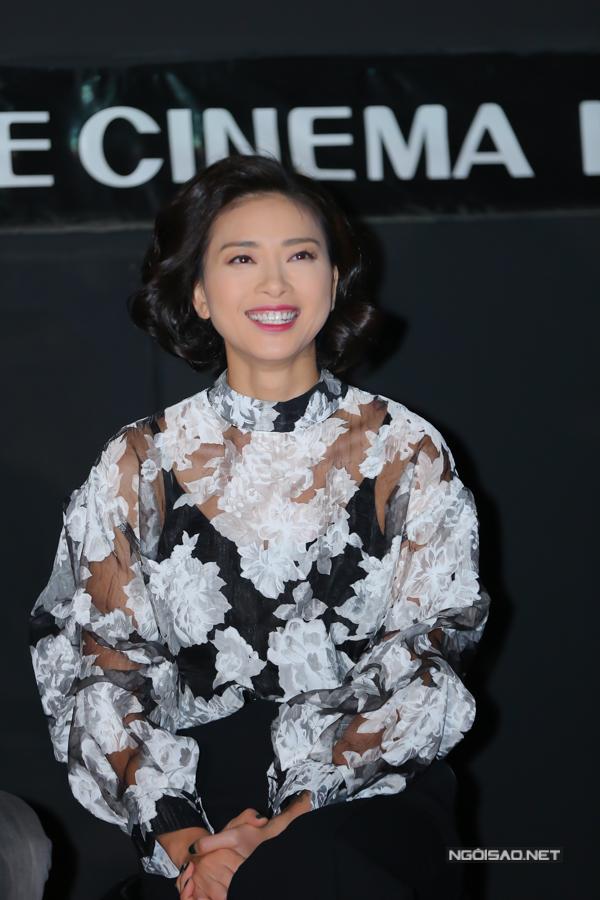 Ngô Thanh Vân vui vì bộ phim được giới chuyên môn đánh giá cao nhưng cô lo lắng, sợ phần đông khán giả chưa thỏa mãn với mối tình đam mỹ dang dở trong Song Lang.