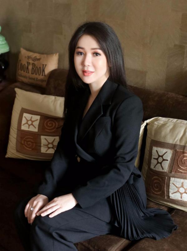 Đương kim Nữ hoàng Doanh nhân Đất Việt 2017 tìm người kế nhiệm - 2