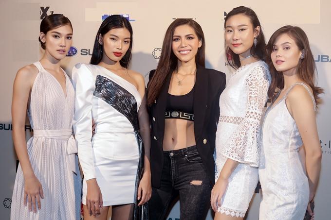Ngoại hình và thần thái gợi cảm của Á quân Next Top châu Á 2017lấn át dàn thí sinh trên thảm đỏ. Tại mùa giải 2018, Minh Tú đảm nhậnmột vai trò đặc biệt nhưng cô vẫn giữ bí mật đến khi phát sóng chính thức tập đầu tiên.