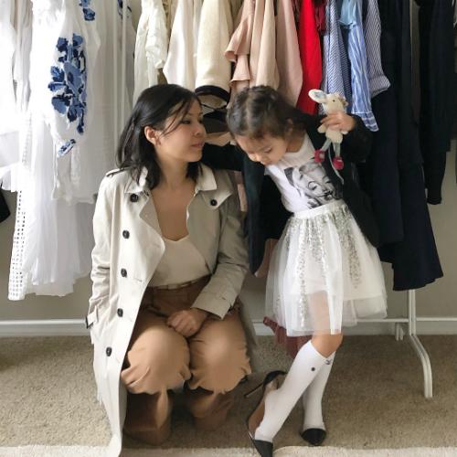 Hà Trương và con gái Olivia.