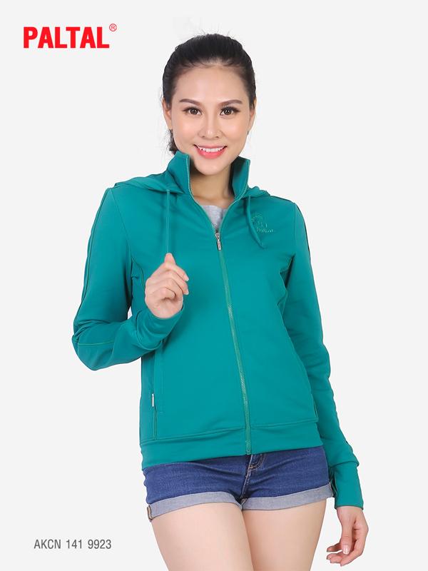 Màu sắc, thiết kế luôn được Paltal chú trọng cập nhật để luôn mang đến một chiếc áo khoác hài lòng nhất cho khách hàng  AKCN 141 9907.