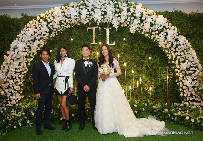 Đến chúc mừng hạnh phúc cho Tuyết Lan có rất nhiều gương mặt người mẫu quen thuộc. Trang Lạ cùng chồng.
