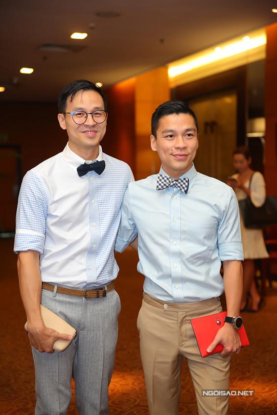 Cặp đôi Sơn Đoàn và nhà thiết kế Adrian Anh Tuấn.