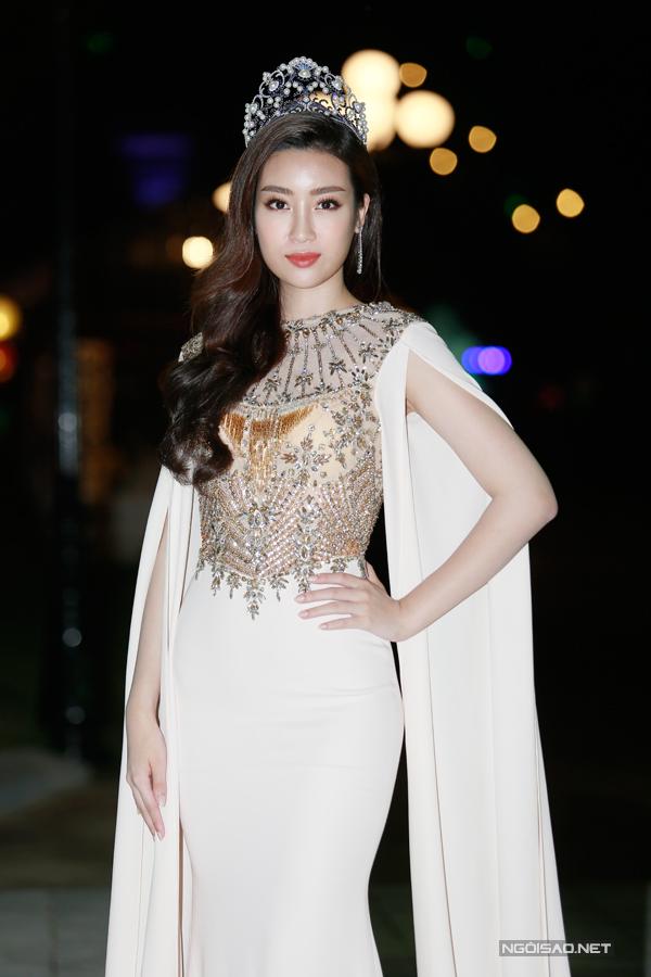 Cô đang đảm nhận vai trògiám khảo của Hoa hậu Việt Nam 2018.