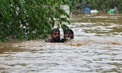 Miền nam Ấn Độ lụt nặng nhất trong 100 năm, ít nhất hơn 300 người chết