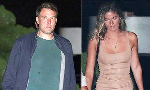 Ben Affleck bị bắt gặp đi ăn tối với người mẫu Playboy