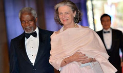 Chân dung người vợ hơn 30 năm song hành cùng ông Kofi Annan