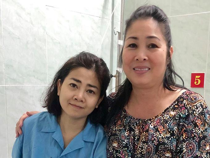 NSND Hồng Vân thăm Mai Phương ở bệnh viện 175, TP HCM cách đây 3 ngày.
