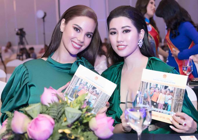 Catriona chia sẻ, cô rất hào hứng khi được góp mặt trong buổi tiệc nhằm gây quỹ giúp đỡ những trẻ em Việt Nam có hoàn cảnh khó khăn đang sống ở vùng cao và các tỉnh phải hứng chịu hậu quả do thiên tai.