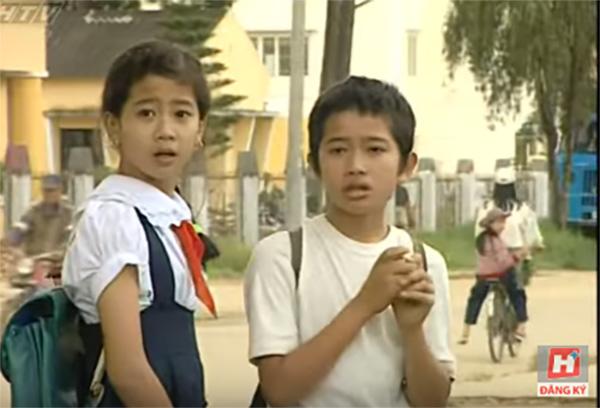 Mai Phương sinh năm 1985, bộc lộ năng khiếu nghệ thuật từ nhỏ. Năm 10 tuổi, cô bắt đầu tham gia đội kịch Tuổi Ngọc ở Nhà Thiếu nhi Quận 1 và tham gia vào một số phim truyện cổ tích, kịch thiếu nhi. Năm 1997, Mai Phương có vai diễn truyền hình đầu tiên trong phim Đôi bạn của đạo diễn Phạm Ngọc Châu. Đóng cặp với cô là Phùng Ngọc, diễn viên nhí từng được yêu thích trong phim Đất phương Nam.