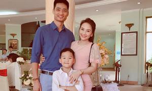 Bảo Thanh từng ôm bụng bầu đi học, sinh con ở tuổi 21