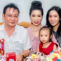 Trịnh Kim Chi mừng tuổi 47 bên chồng con và đại gia đình
