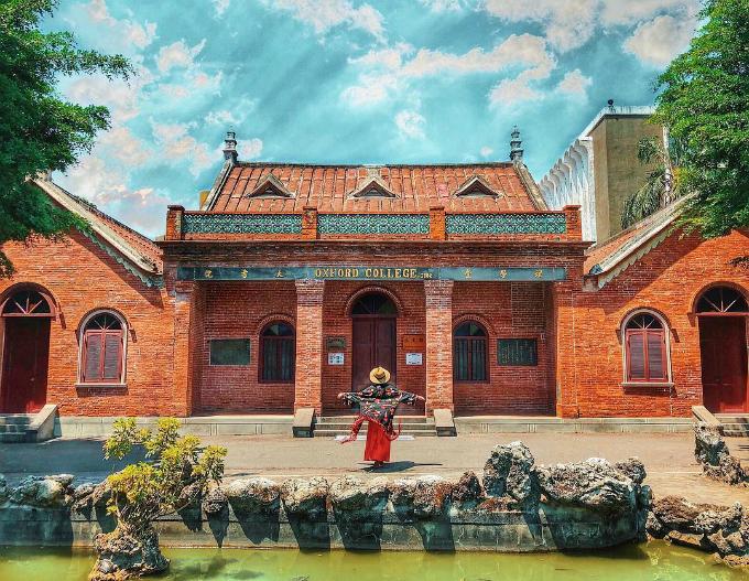 Tin Trúc đi, khi đến New Taipei nên đi Tamsui Historical Museum. Ban đầu mình search thông tin trên google thấy rõ chẳng có gì hay ho và có vẻ cũng không nhiều người đến, tính bỏ qua nhưng thôi tiện đường đi Tamsui Old Street cứ tạt qua thử nhưng vào trong thì ôi thật sự... Nhìn qua ảnh cũng tưởng tượng được nó thế nào rồi nhỉ?