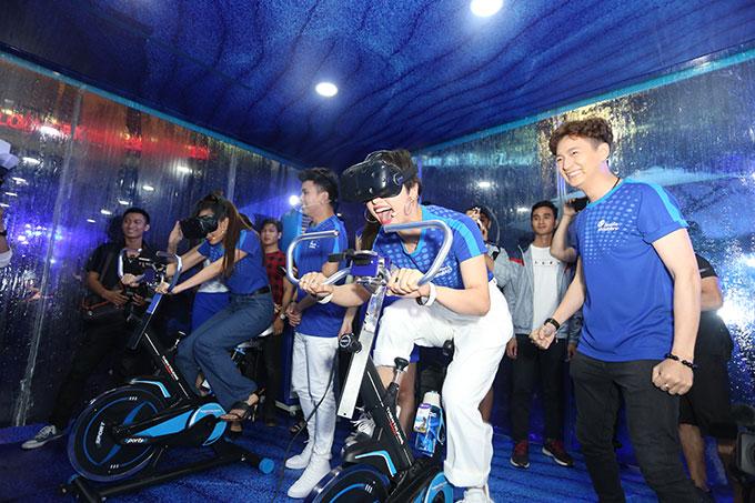 Bốn nghệ sĩ sẽ hóa thân thành thợ lặn chuyên nghiệp nhờ vào công nghệ VR.