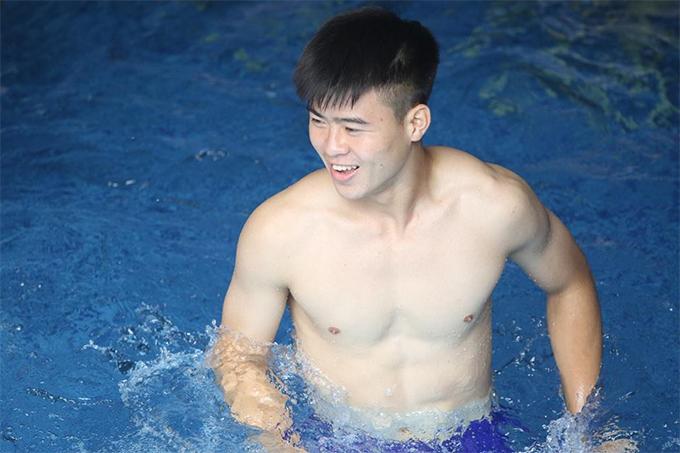 Duy Mạnh được đánh giá là một trong những cầu thủ đẹp trai nhất của Olympic Việt Nam. Ảnh: Đức Đồng.