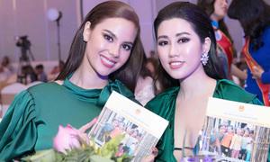 Emily Hồng Nhung dự tiệc cùng Hoa hậu Hoàn vũ Philippines