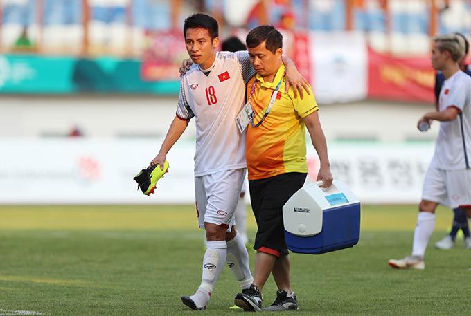 Đỗ Hùng Dũng liên tục được HLV Park Hang-seo sử dụng trong ba trận đấu vừa qua tại Asiad. Ảnh: Đức Đồng.