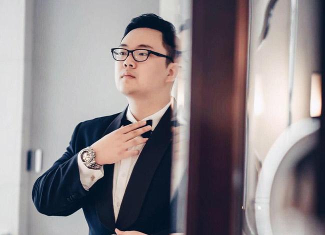 Ông Nguyễn Đức Anh- CEO, đồng sáng lập Uiza từng là Kỹ sư Machine Learning làm việc tại các tập đoàn lớn tại Mỹ như CGI, đồng thời từng đảm nhiệm vai trò Giám đốc cấp cao - Phát triển sản phẩm quốc tế của Tổ hợp Công nghệ Giáo dục Topica.