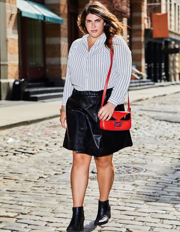 Từng bị nhiều người chế giễu bởi thân hình ngoại cỡ, Katie Sturino - 37 tuổi, sống tại New York - quyết tâm thay đổi định kiến về phụ nữ béo và thành lập blog mang tên The 12ish Style vào năm 2015. Ở đó, cô chia sẻ các bí quyết thời trang dành cho những nàng mũm mĩm như mình.