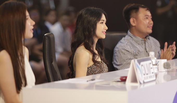 Giọng ca Rời bỏ ngồi ghế nóng cuộc thi Ngôi sao Tài năng 2018 nhằm tìm kiếm những thần tượng livestreamgiống ở Hàn Quốc, Trung Quốc. Sau vòng loại trực tuyến, 10 thí sinh được chọn thi chung kết tối 20/8.